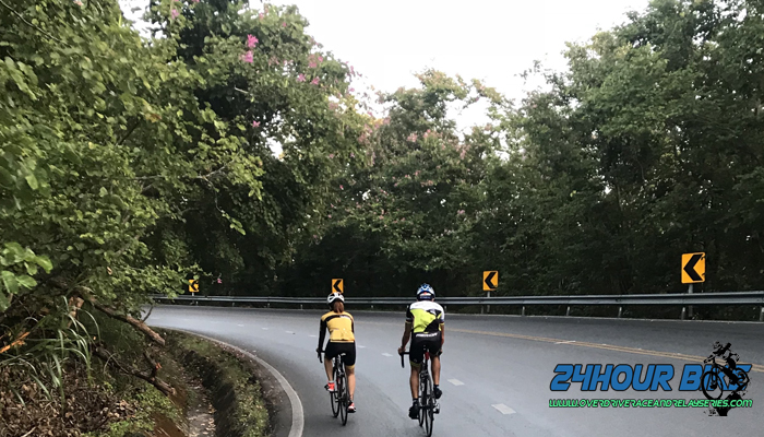 ทางขึ้นดอยสุเทพอุบัติเหตุเพียบ นักปั่นจักรยานล้มกันระนาว