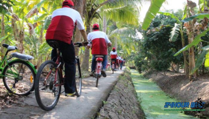 ปั่นจักรยานชิวๆเที่ยวตลาดน้ำอัมพวา