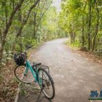 เส้นทางกาญจนบุรี ปั่นจักรยานชมป่า เที่ยวน้ำตก จังหวัดกาญจนบุรี มีสถานที่ท่องเที่ยวทางประวัติศาสตร์และทางธรรมชาติเยอะแยะเต็มไปหมดเลยครับ