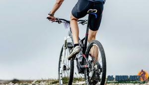 วิธีเตรียมตัวก่อนปั่นจักรยาน การขี่จักรยาน เป็นกีฬาอีกชนิดหนึ่งที่ต้องใช้แรงอย่างมากในการแข่งขัน แม้กระทั่งการขี่เล่นๆ เพื่อออกกำลังกาย
