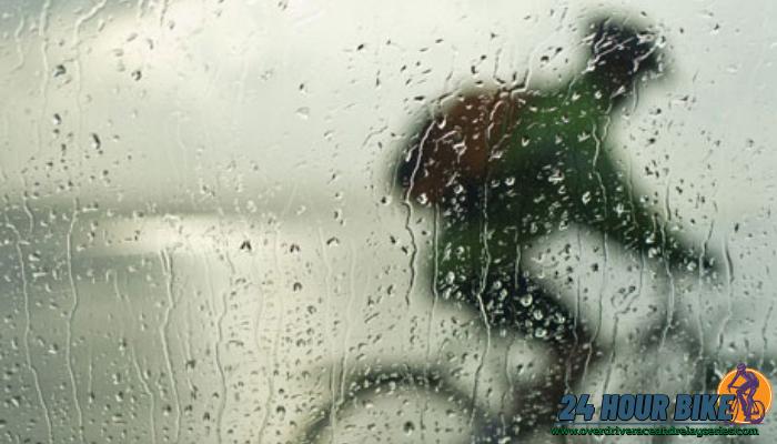 ฝนตกแต่อยากออกปั่น ต้องทำยังไง มีนักปั่นไม่น้อยที่รู้สึกเซ็งเมื่อตั้งใจจะออกไปปั่น แต่ดันฝนตกยิ่งเข้าหน้าฝนยิ่งแล้วใหญ่เอาแน่เอานอนไม่ได้